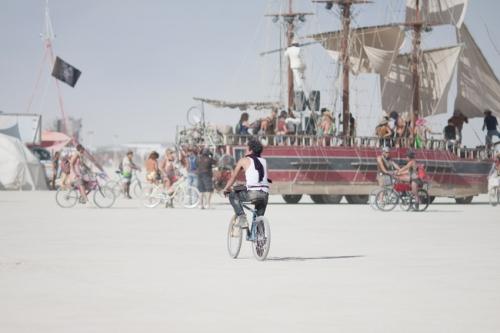 Burning-Man-2015-Carnival-of-Mirrors-whiteout-ship.jpg