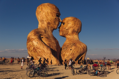 Burning_Man_2014_Galen_Oakes_Embrace_1.jpg
