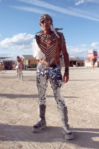 Layne-Poeple-of-the-playa-amazing-costumes-Burning-Man-2015-Carnival-of-Mirrors-683x1024.jpg