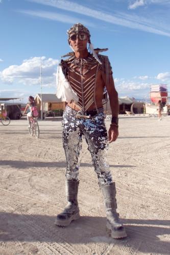 Layne-Poeple-of-the-playa-amazing-costumes-Burning-Man-2015-Carnival-of-Mirrors-683x1024.jpg