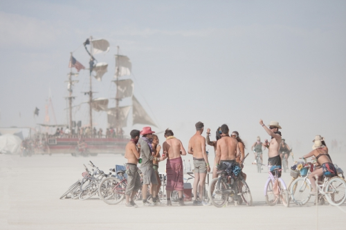 whiteout-adventurers-ship-at-Burning-Man-2015-Carnival-of-Mirrors.jpg