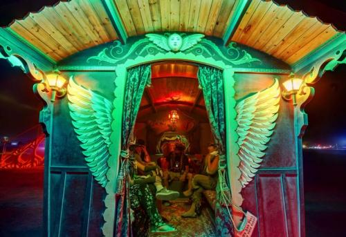 105-cliches-exceptionnels-du-burning-man-festival-le-rassemblement-surrealiste-dartistes-du-monde-entier11.jpg
