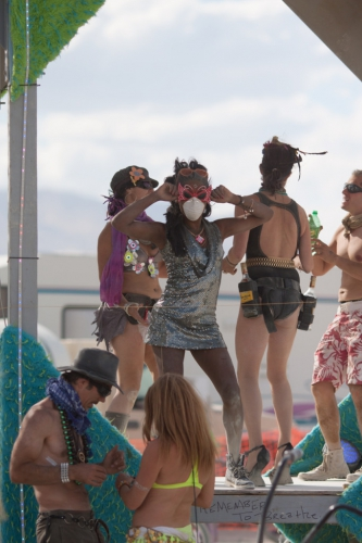 Party-doesnt-stop-at-BurningMan-2015-carnival-of-mirrors-whiteout-683x1024.jpg