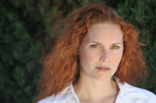 Woman_redhead_natural_portrait.jpg