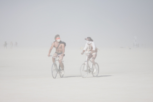 couple-during-the-whiteout-at-Burning-Man-2015-Carnival-of-Mirrors.jpg